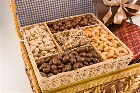 Deluxe Celebration Basket (3.5 Pound Basket)