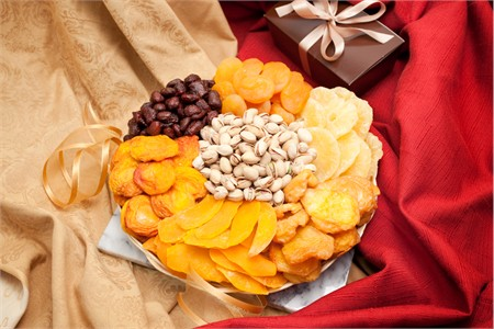 Deluxe Fruit and Nut Gift Tray (2 Pound)