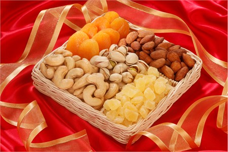 Fruit and Nut Basket (1 Pound Basket)