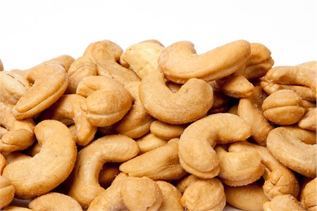 Roasted Giant Cashews (1 Pound Bag)