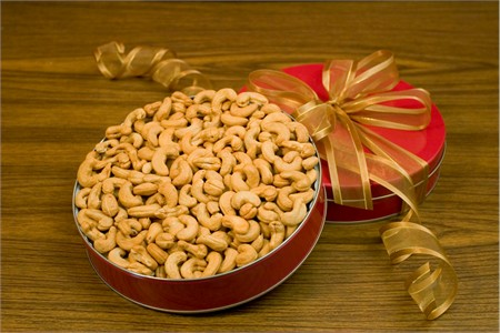 Giant Cashews Gift Tin (32oz Gift Tin)