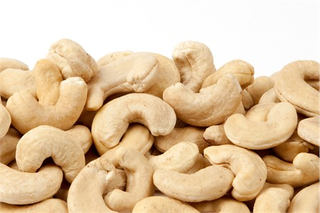 Raw Giant Cashews (1 Pound Bag)
