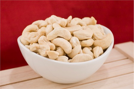 Raw Large Cashews (4 Pound Bag)