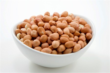 Raw Organic Peanuts (4 Pound Bag)