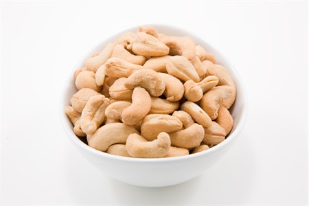 Roasted Whole Cashews - 320 Count (25 Pound Case)