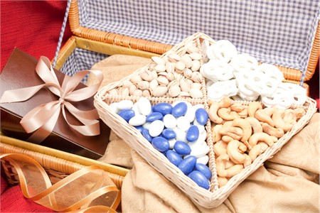 Warm Wishes Supreme Nut Gift Basket